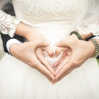 5 רעיונות מעולים לעגילי יהלומים שיתאימו לחתונה שלכן