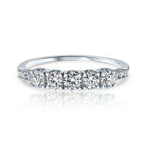 טבעת אירוסין זהב לבן יוקרתית משובצת 5 יהלומים Nora נורה