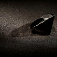 האם יהלום שחור הוא יהלום אמיתי?