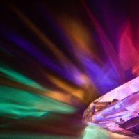 כל מה שאתם צריכים לדעת על צבע יהלום