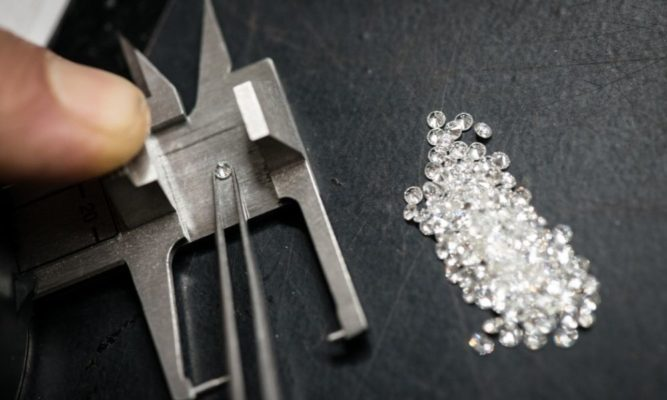 יהלומי מעבדה לעומת יהלומים אמיתיים: העובדות